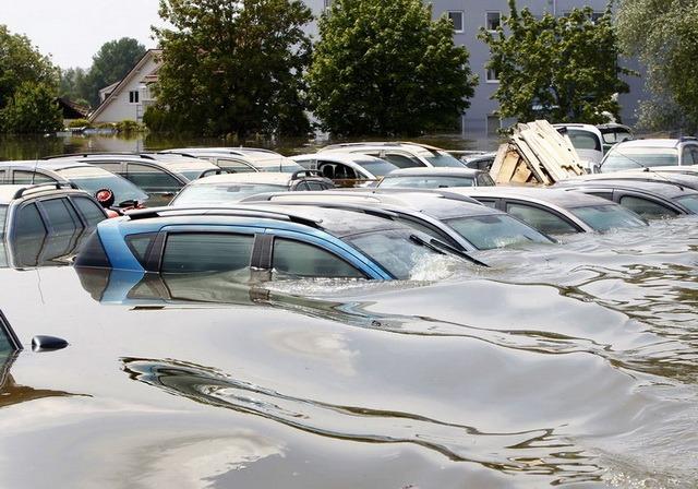 Авто в воде